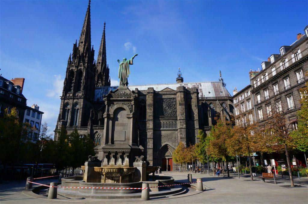 La cathédrale gothique de Clermont-Ferrand