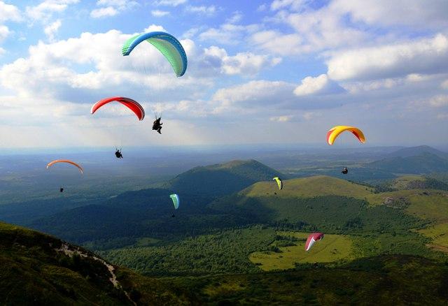 Les Top 8 des choses à faire en Auvergne cet été
